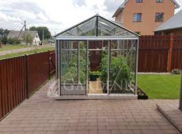 Gardenio-siltnamis-Ventus-su-stiklo-danga