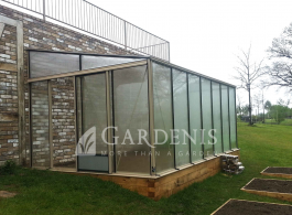 Aliuminio siltnamis prie sienos Murus – Gardenis