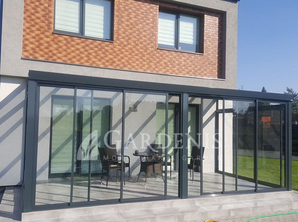 Rėminė verandos terasos šonų stiklinimo sistema Gardenis