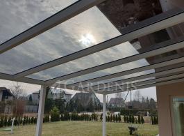 Balta-stogines-terasai-konstrukcija-sopsol-stiklas-Gardenis