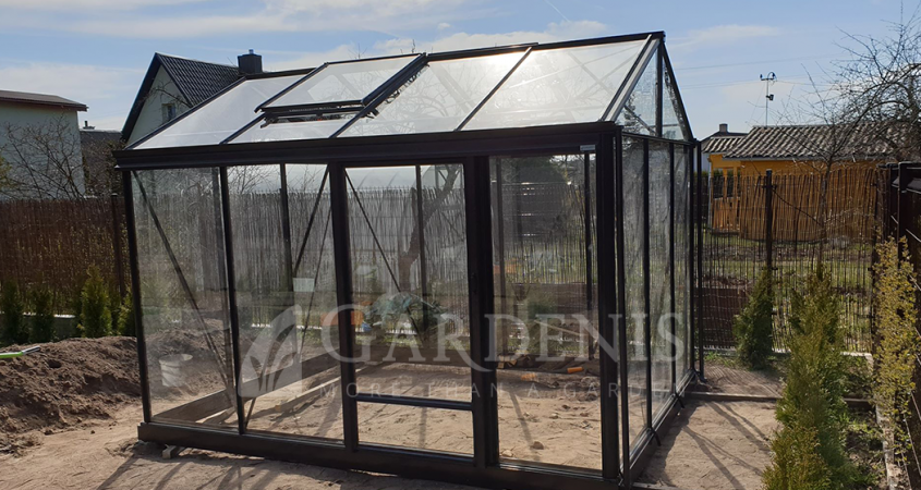 Mazas-stiklinis-aliuminis-siltnamis-VENTUS-small-greenhouse-waxthus-drivhus-szklarnia-siltumnica