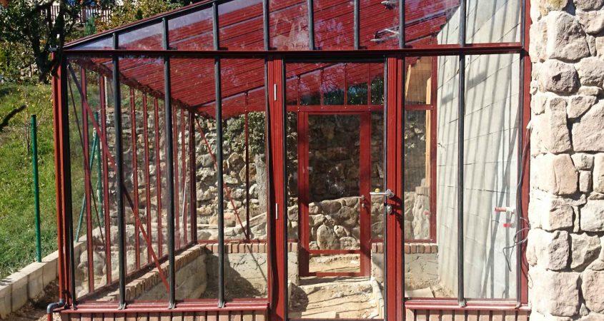 Priesienis stiklinis šiltnamis Murus Gardenis