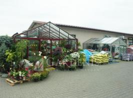 Siltnamis-sodo-centrui-Magna-erdvus-tvirtas-stiklinis-Gardenis