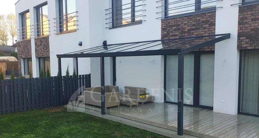 Stiklo-aliuminio-stogine-pastoge-terasai-kotedzui-Gardenis-tack-terrase-zadasenia-tarasow-nojumes
