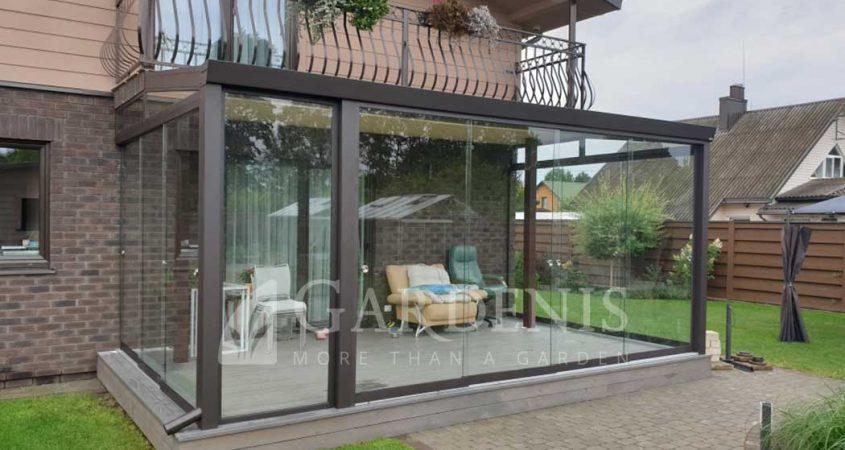 Veranda-terasa-gardenis-bereme-stiklinimo-sistema-AluGlass
