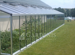 prie-sienos-siltnamis-stiklinis-gardenis-Murus