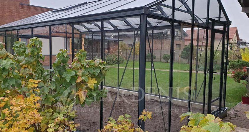 JUNA greenhouse siltnamis