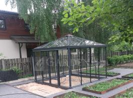 Siltnamis-oranzerija-Tetra-juodas-Gardenis