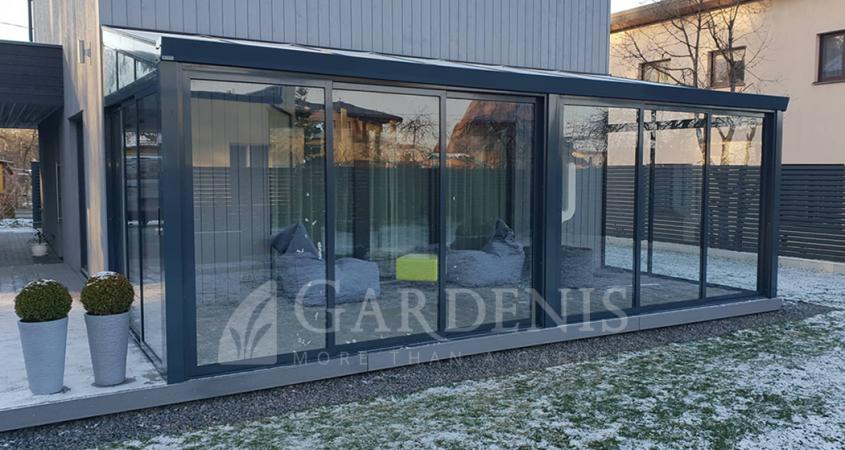 Gardenis-stikline-veranda-remine-aliuminio-sistema