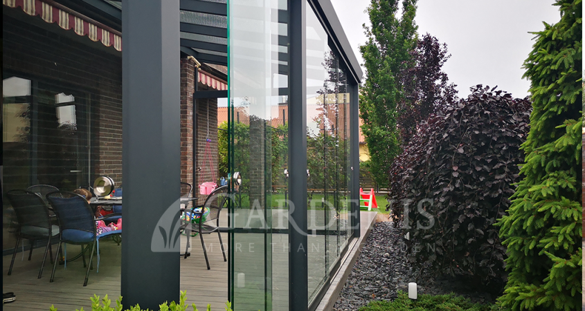 Veranda-bereme-stiklinimo-sistema-frameless-sliding-Gardenis