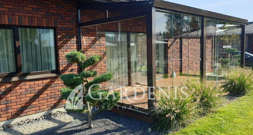 Veranda-stikline-bereme-sistema-Gardenis