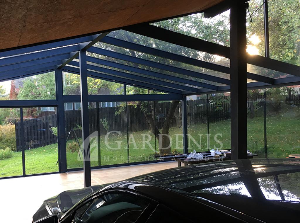 Dvislaite stogine automobiliui veranda
