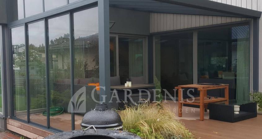 Gardenis-sienelė-iš-stiklo-terasai-stoginei